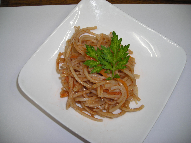 ソルガム麺のナポリタン